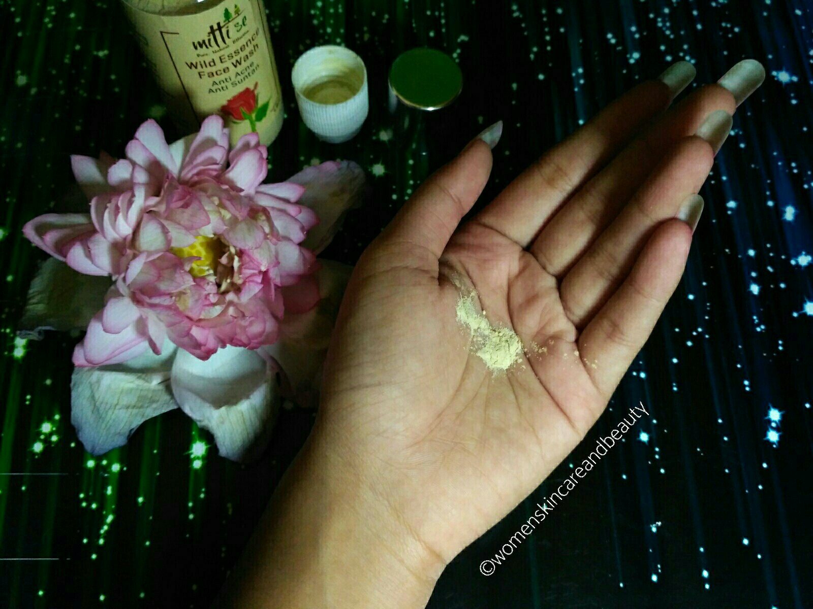 Mitti Se Wild Essence Face Wash