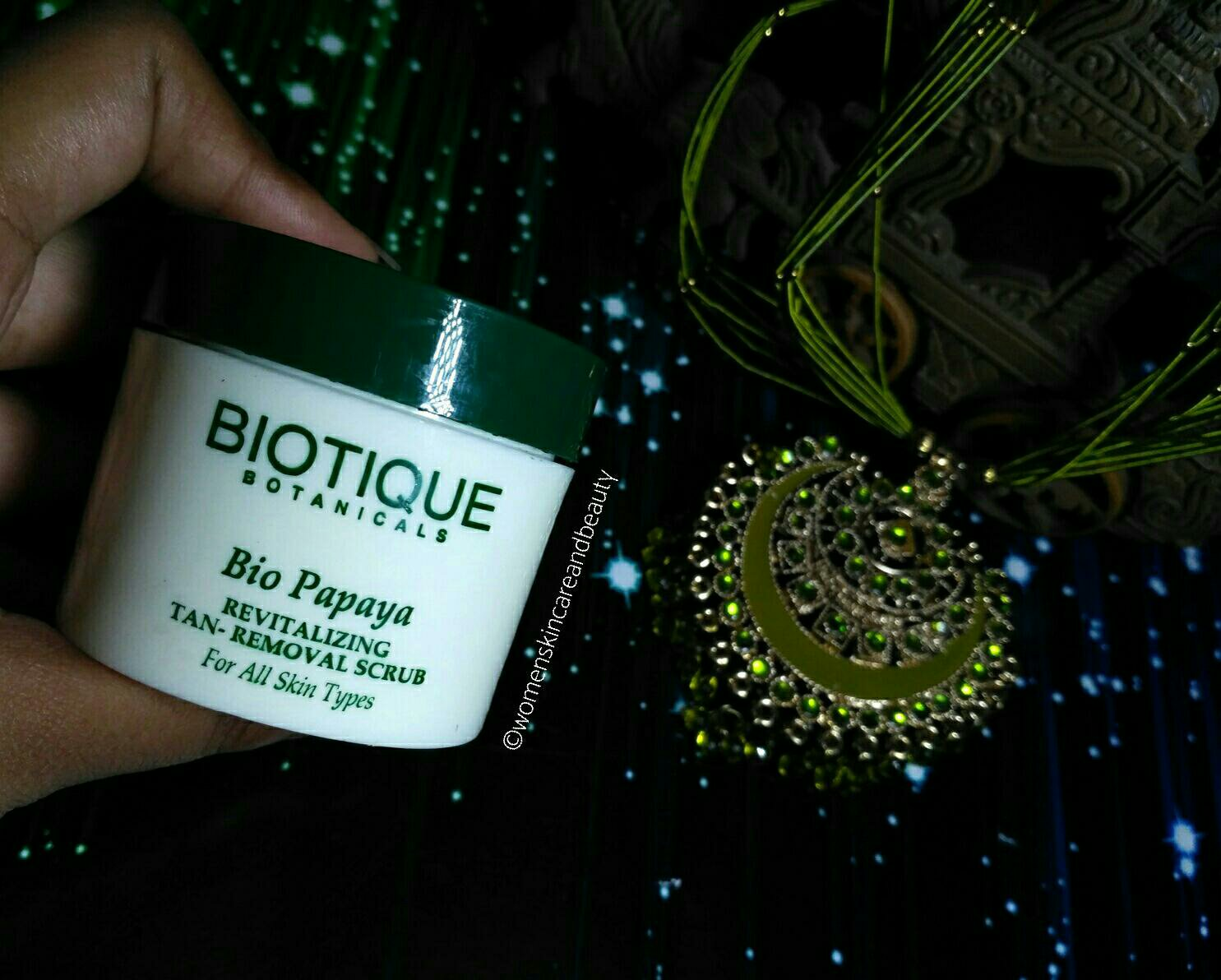 Biotique Bio Papaya Tan Removal Scrub