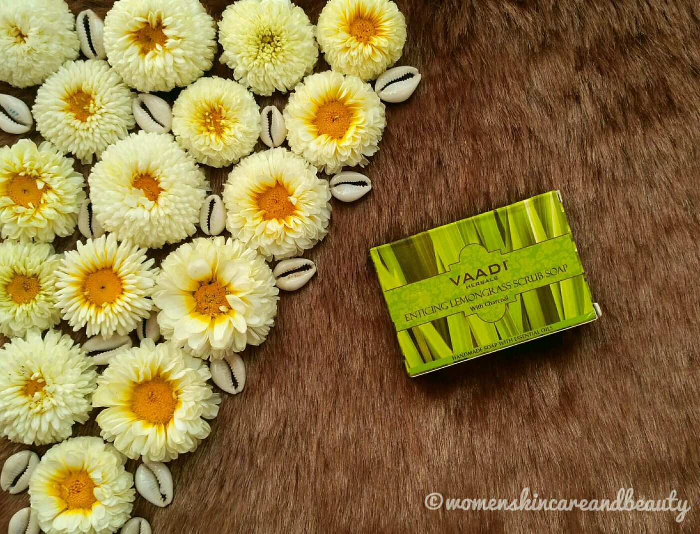 Vaadi Herbals Enticing Lemongrass Scrub Soap